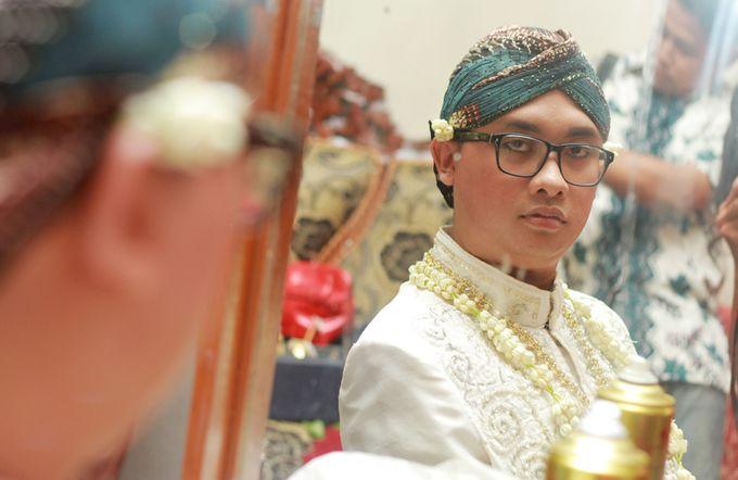 Pernikahan Adat Jawa by Jalutajam Photoworks - 009