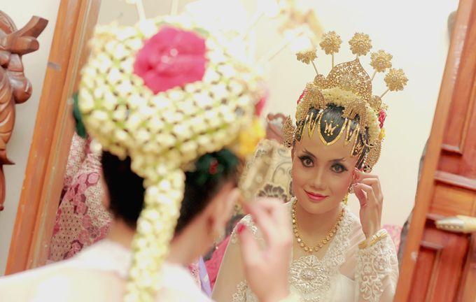 Pernikahan Adat Jawa by Jalutajam Photoworks - 010