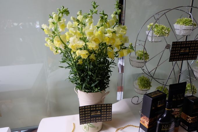 Natur Shampoo Decoration by The Vividiary Florist - 002