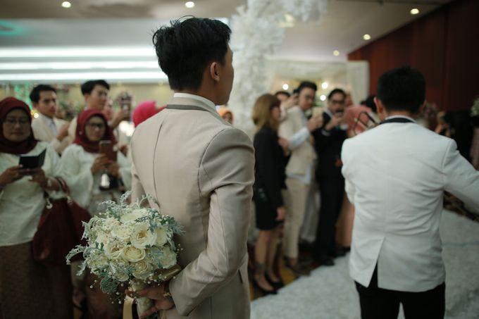 Fay & Dadit Wedding by Garland Galore Flower Shop - 004