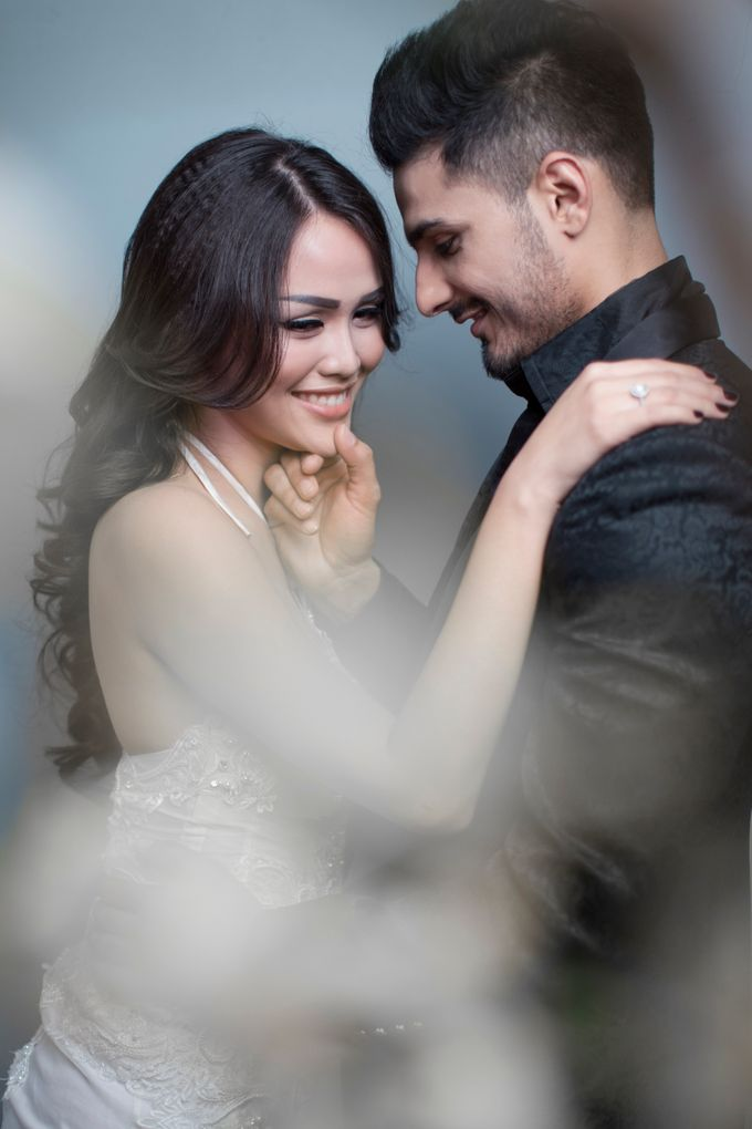 Nita and Vinrana Prewedding by Philip Formalwear - 002