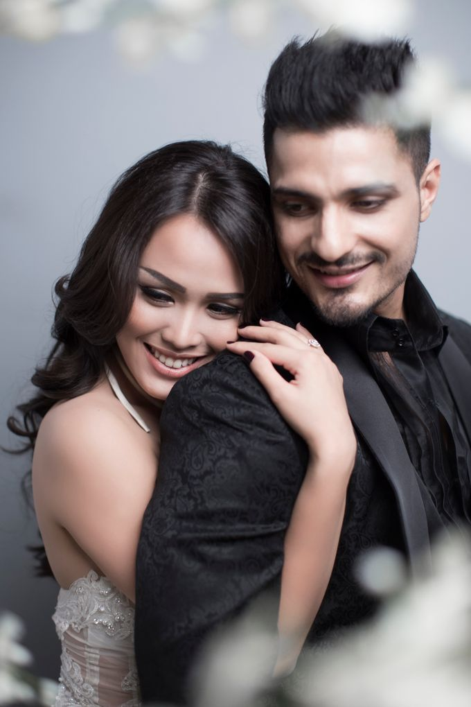 Nita and Vinrana Prewedding by Philip Formalwear - 001