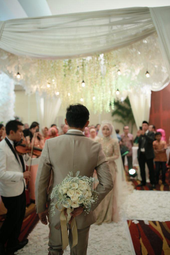 Fay & Dadit Wedding by Garland Galore Flower Shop - 005
