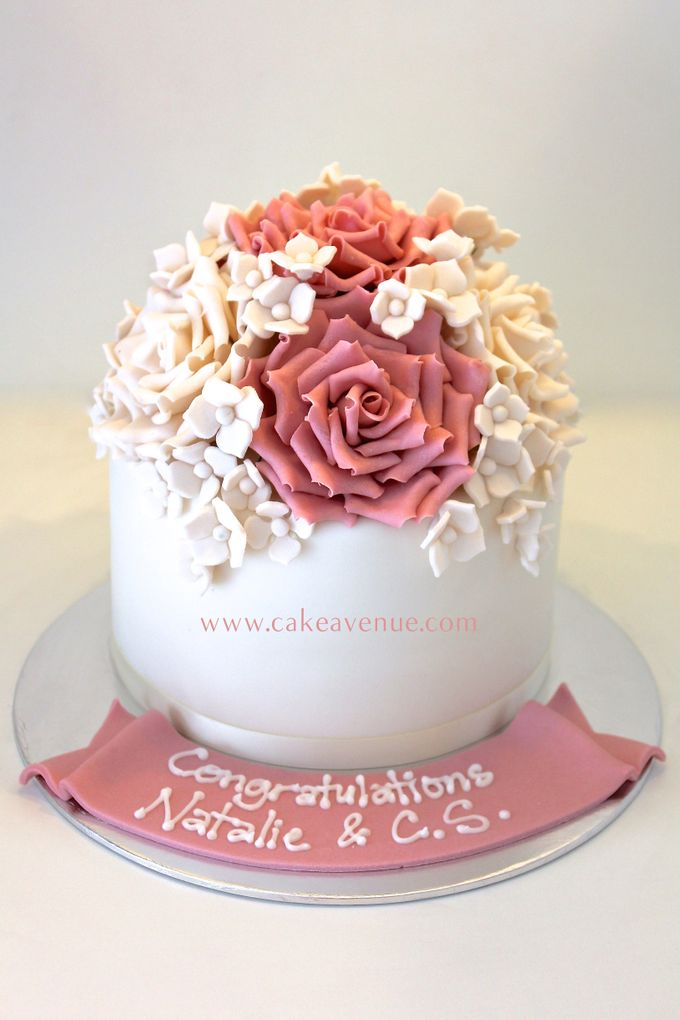 Single tier Customised Wedding Cakes by Cake Avenue - 004