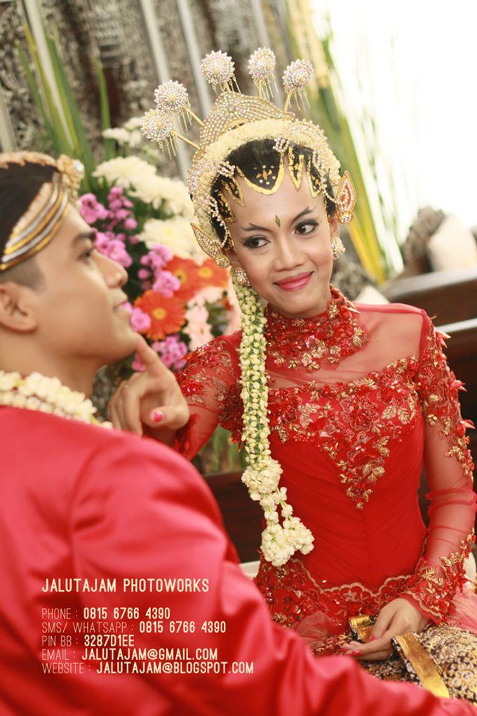Pernikahan Adat Jawa by Jalutajam Photoworks - 034