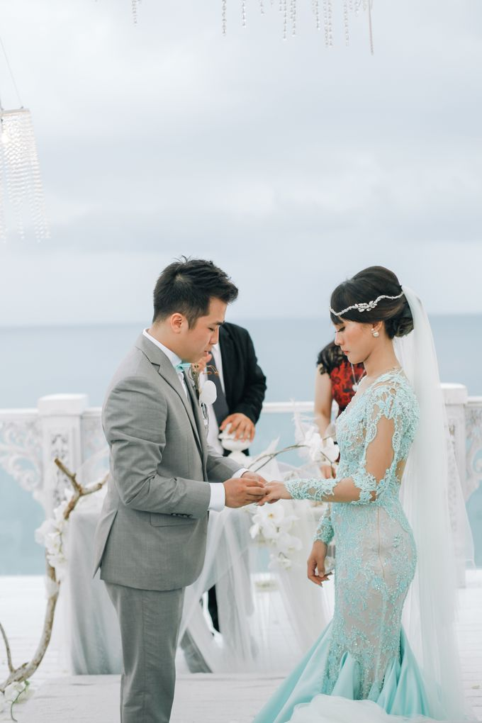 Wedding Bold & Beautiful - Stanley & Onyzza at Sky Ayana Resort Bali by Anaz Khairunnaz - 009