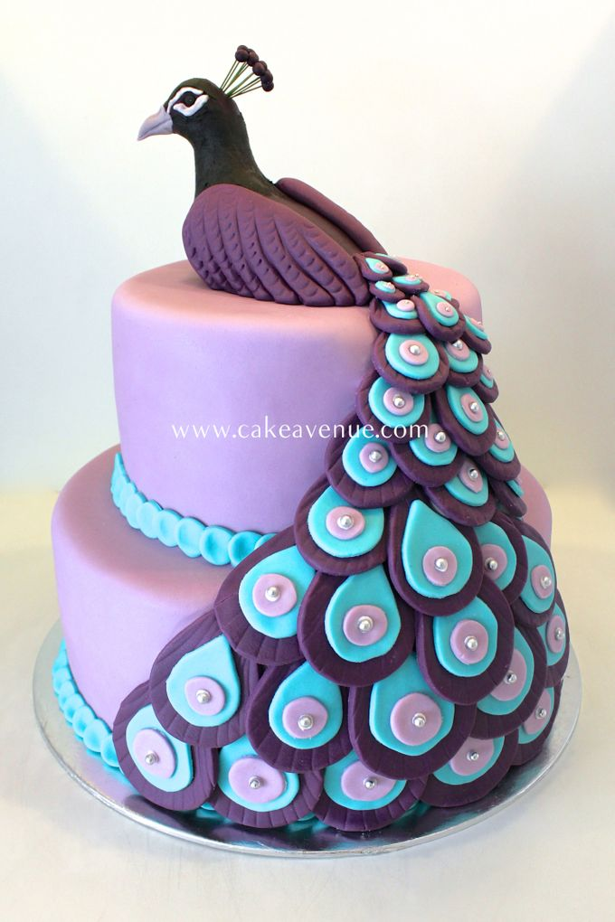 Contemporary Customised Wedding Cakes by Cake Avenue - 006