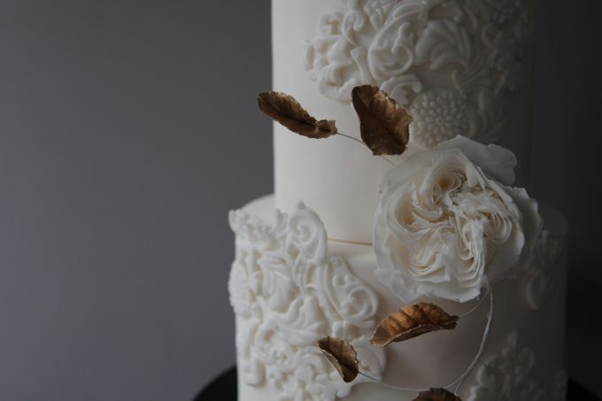 David Austin and Bas Relief by Winnie Cake Couture - 002