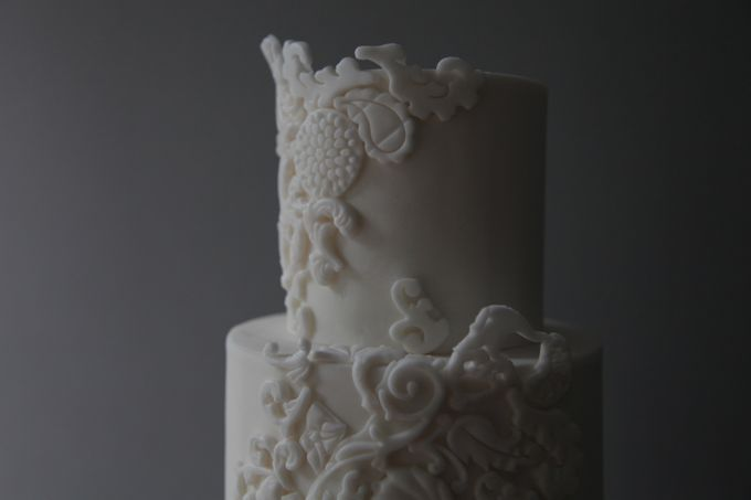 David Austin and Bas Relief by Winnie Cake Couture - 003