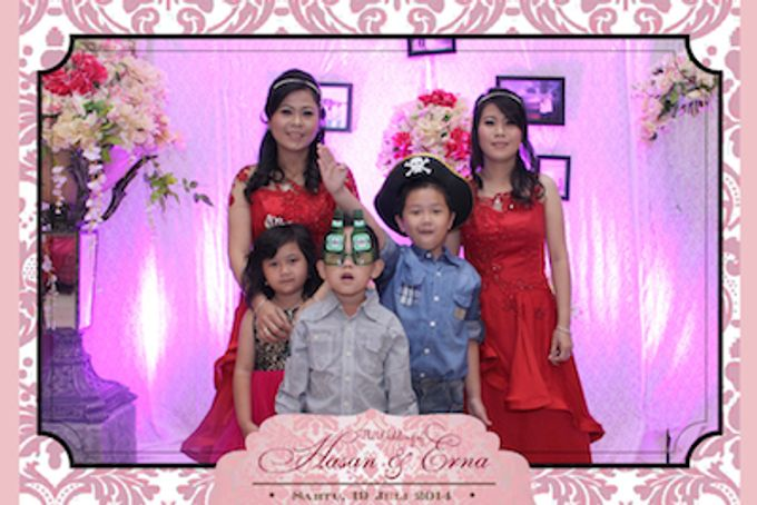 The Wedding of Hasan & Erna by After 5 Photobooth - 006