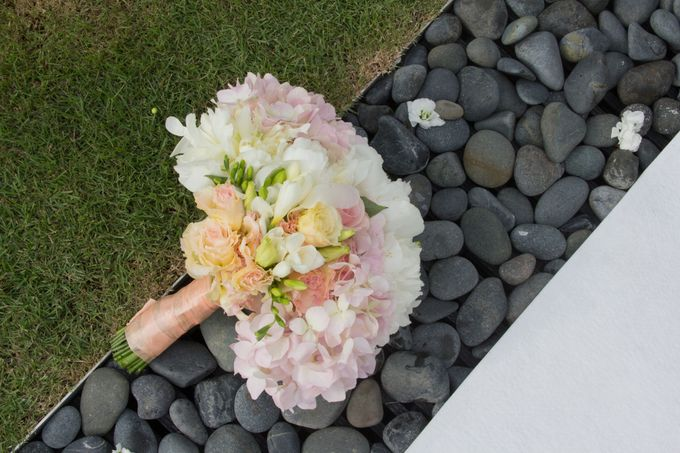SPELLBOUND WEDDING BOUQUET by Spellbound Weddings - 010