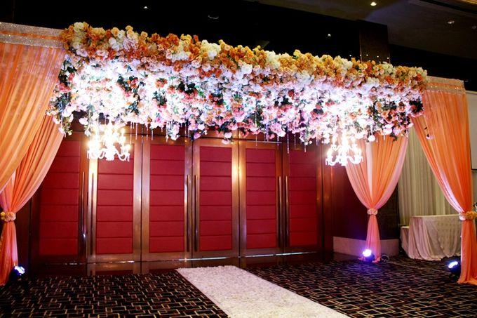 Wedding in ballroom by grand mercure medan angkasa bridestory add to board wedding in ballroom by grand mercure medan angkasa 012 junglespirit Gallery