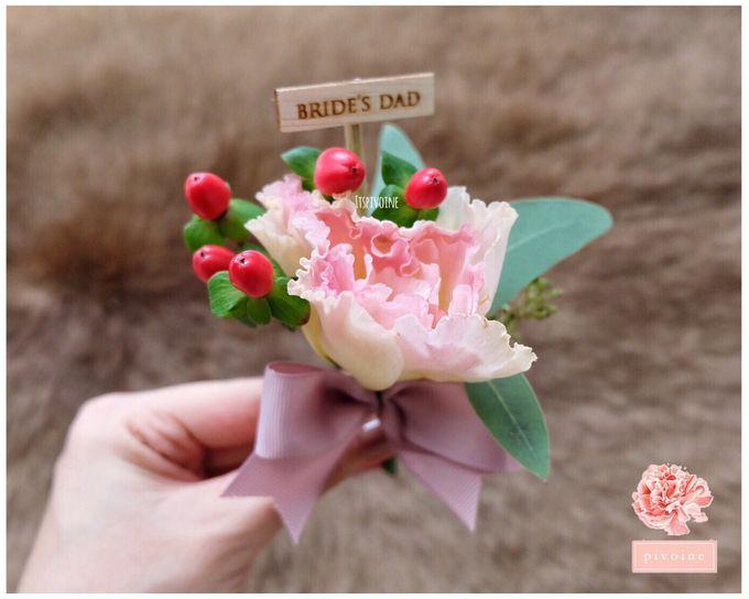 boutonniere by Pivoine Flower Shop - 013