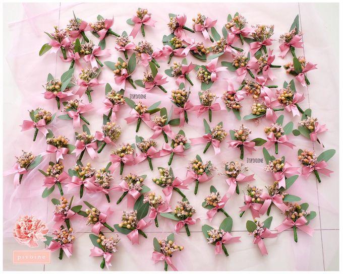 boutonniere by Pivoine Flower Shop - 014