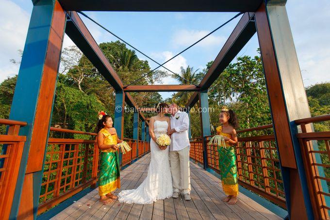 Simple Wedding Len & Marina by D'studio Photography Bali - 030