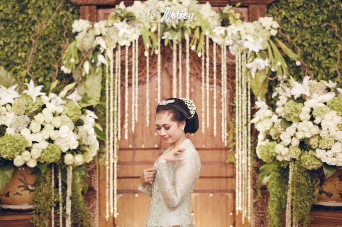 Ira & Ikhlas - Javanese & Acehnese Wedding by Mamie Hardo - 004