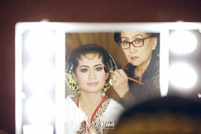 Ira & Ikhlas - Javanese & Acehnese Wedding by Mamie Hardo - 005