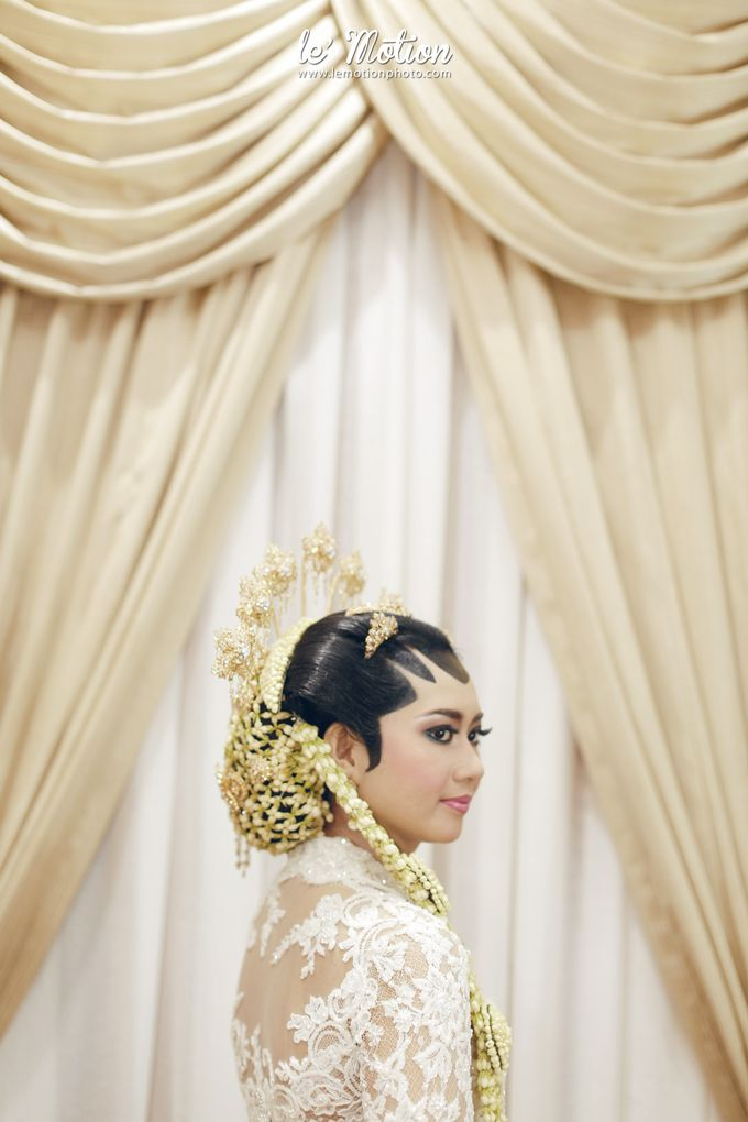 Ira & Ikhlas - Javanese & Acehnese Wedding by Mamie Hardo - 006
