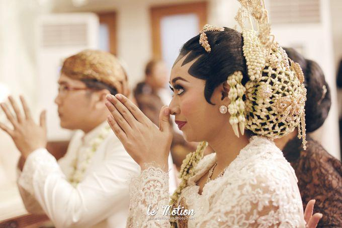 Ira & Ikhlas - Javanese & Acehnese Wedding by Mamie Hardo - 009