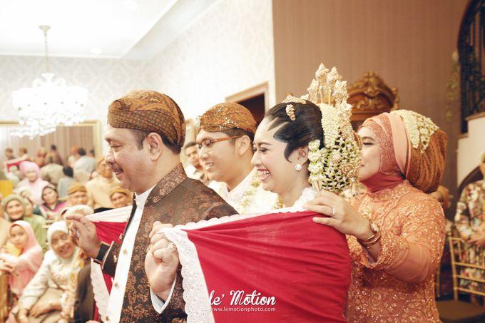 Ira & Ikhlas - Javanese & Acehnese Wedding by Mamie Hardo - 008
