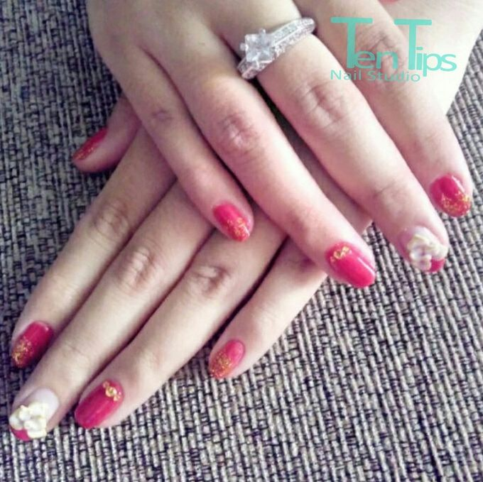 Engagement Nails by Ten Tips Nail Studio - 005