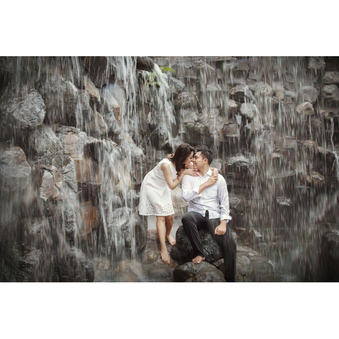 You Will Never Walk Alone by Kencana Art Photo & Videography - 010