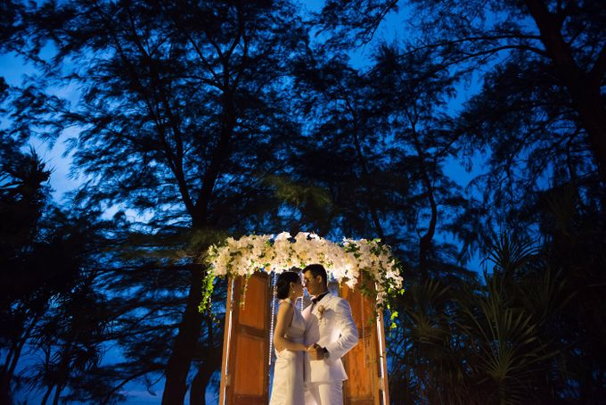 COME WITH US! WE HAVE THE KEY OF LOVE TO OPEN THE DOORS OF A UNIQUE DESTINATION WEDDING IN PHUKET by Wedding Boutique Phuket - 041