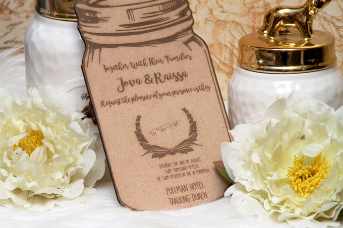 Wood Wedding Invitation by Ravaro Design - 003