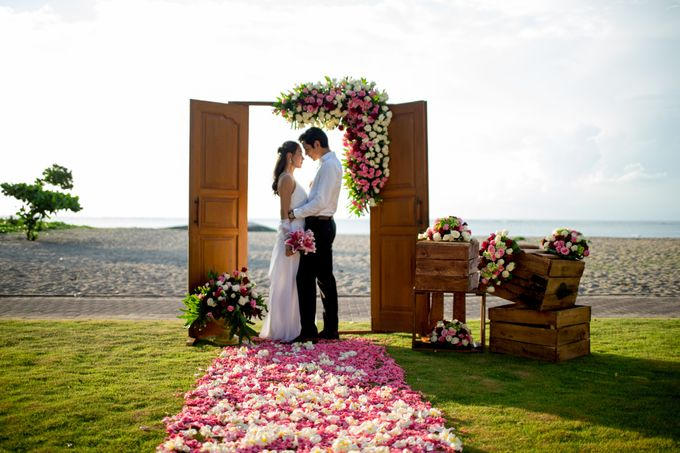 Sunset Wedding by Holiday Inn Resort Baruna Bali - 003