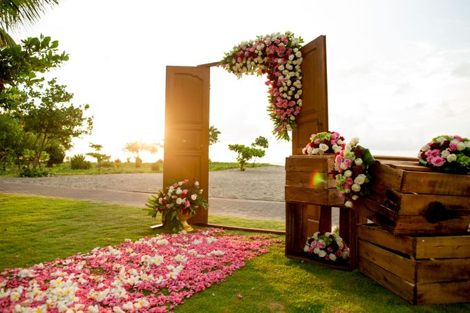 Sunset Wedding by Holiday Inn Resort Baruna Bali - 001