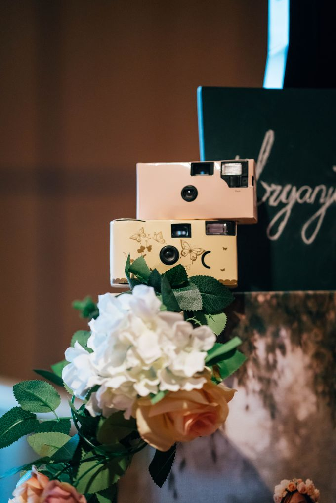 Wedding at Marrriot Tangs Hotel by The Wedding Camera Co - 005