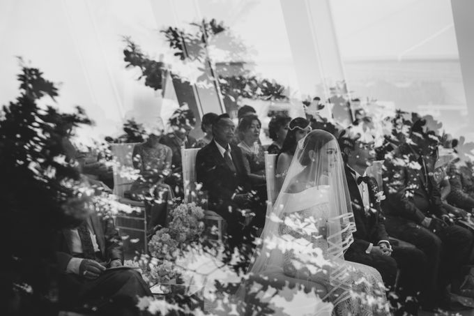 Simple and Modern Rococo style wedding at the Island of Gods by Maxtu Photography - 026