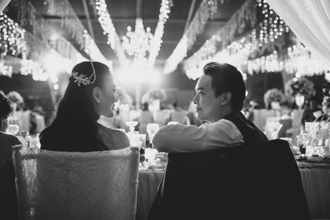 Simple and Modern Rococo style wedding at the Island of Gods by Maxtu Photography - 046