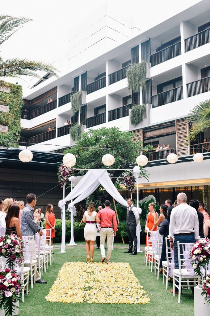 Jelena & Steven Wedding by Courtyard by Marriott Bali Seminyak - 009