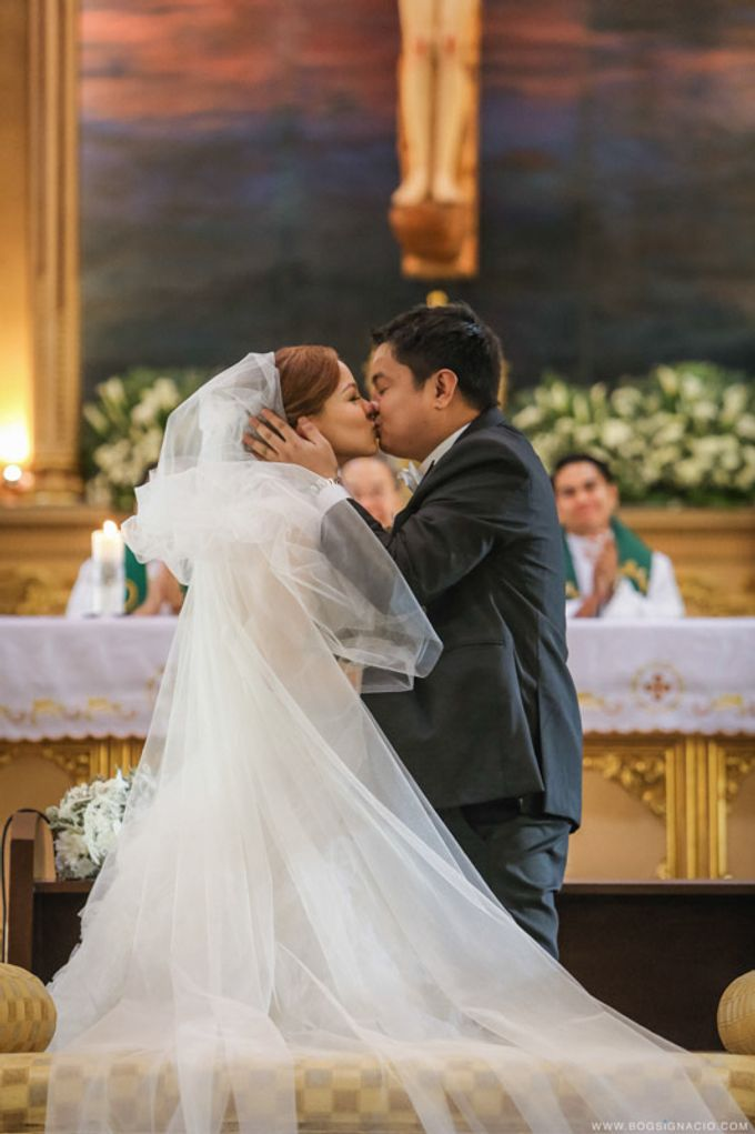 Joey & Prin - Wedding by Bogs Ignacio Signature Gallery - 025