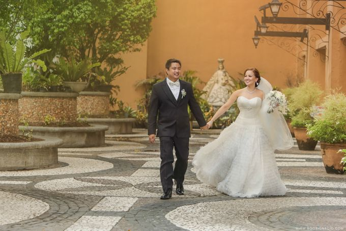 Joey & Prin - Wedding by Bogs Ignacio Signature Gallery - 030