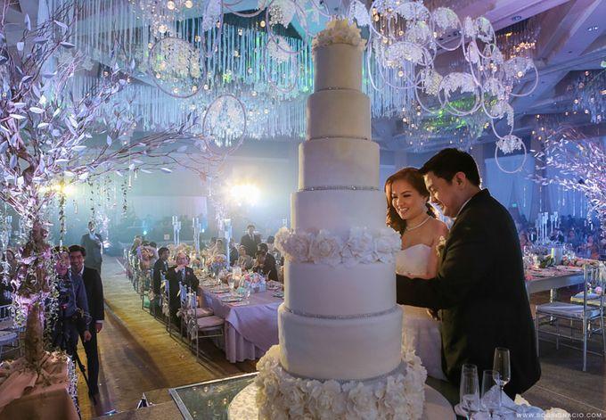 Joey & Prin - Wedding by Bogs Ignacio Signature Gallery - 040