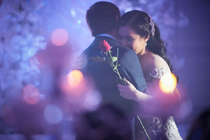 A very personal wedding of JP and Nix by Jiggie Alejandrino Wedding Photographs - 032