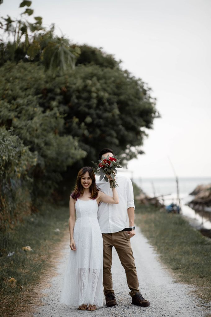 Warm engagement session in Penang  by Amelia Soo photography - 032