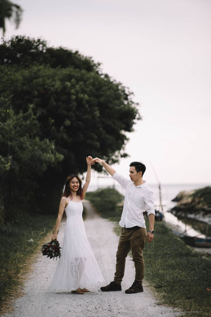 Warm engagement session in Penang  by Amelia Soo photography - 033