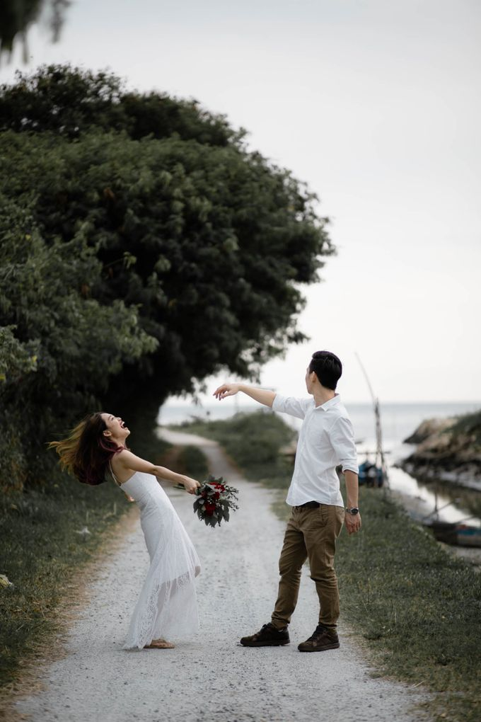 Warm engagement session in Penang  by Amelia Soo photography - 034