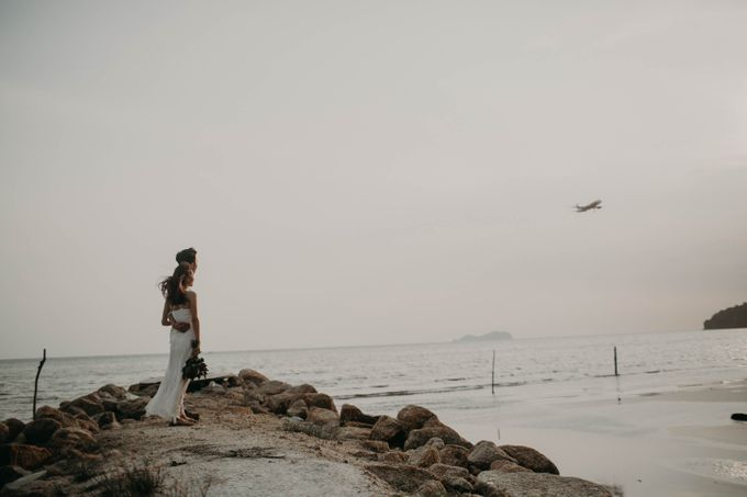 Warm engagement session in Penang  by Amelia Soo photography - 047