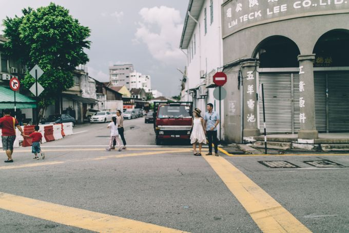 Streetstyle engagement session in Penang 04 by Amelia Soo photography - 030