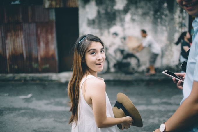 Streetstyle engagement session in Penang 04 by Amelia Soo photography - 029