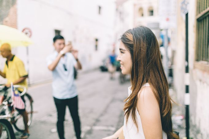 Streetstyle engagement session in Penang 04 by Amelia Soo photography - 027