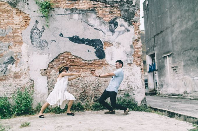 Streetstyle engagement session in Penang 04 by Amelia Soo photography - 024