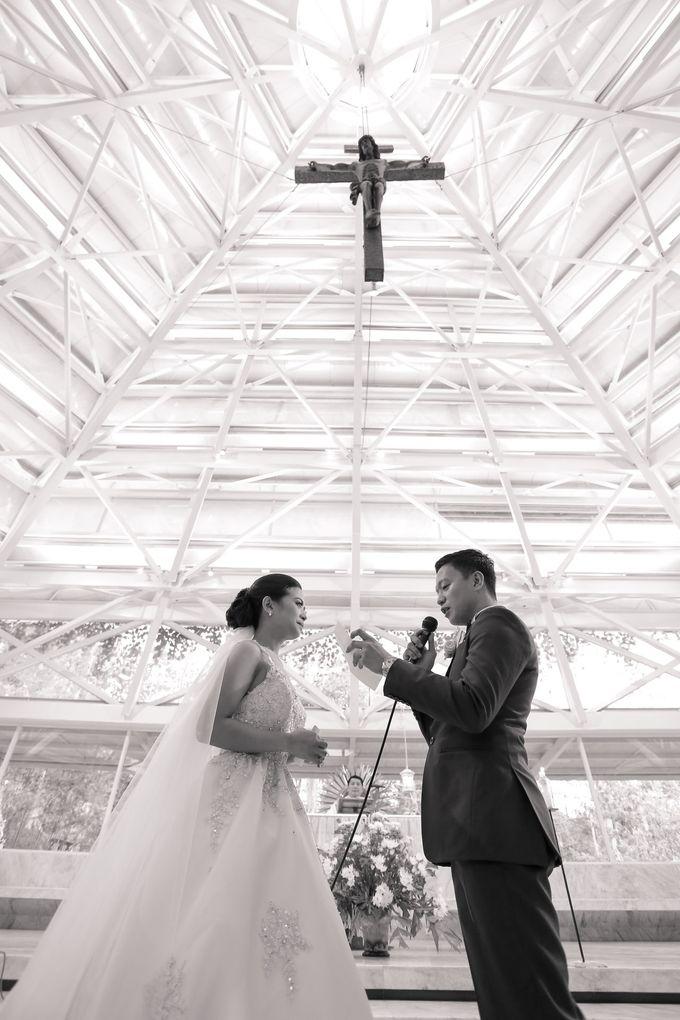 JC & Riz - Wedding by Bogs Ignacio Signature Gallery - 003