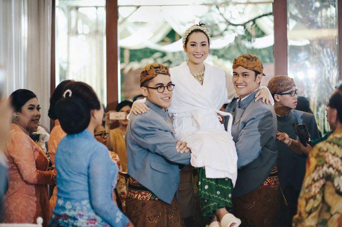 Erik & Christie Siraman by JAYSU Weddings by Jacky Suharto - 010