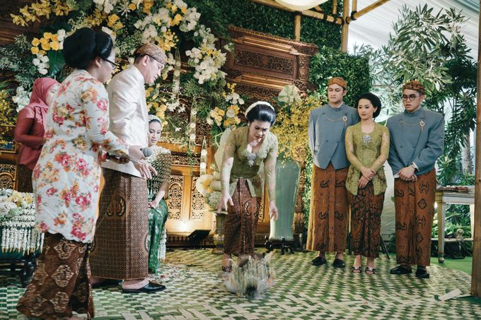 Erik & Christie Siraman by JAYSU Weddings by Jacky Suharto - 021