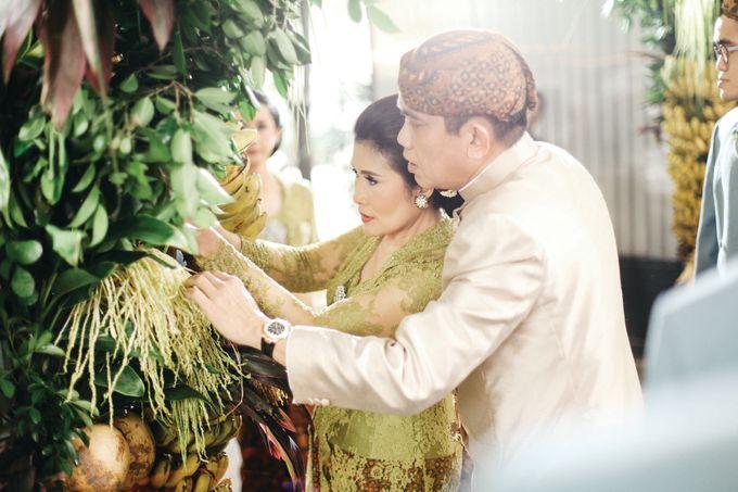 Erik & Christie Siraman by JAYSU Weddings by Jacky Suharto - 037